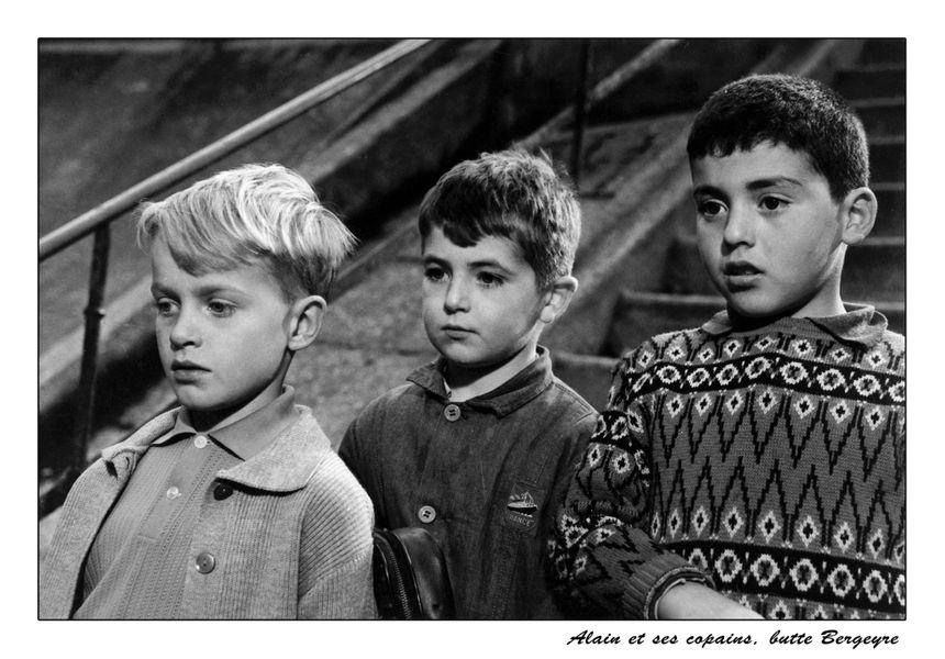 Extrait du film Rue des Cascades. De g. à dr : Daniel Jacquinot, Serge Srour (pas retrouvé) et Erick Barukh