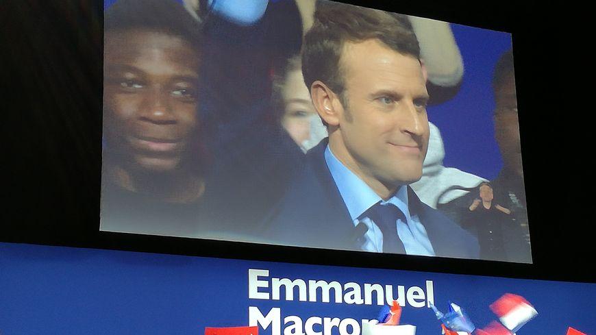 Emmanuel Macron en meeting à Dijon.