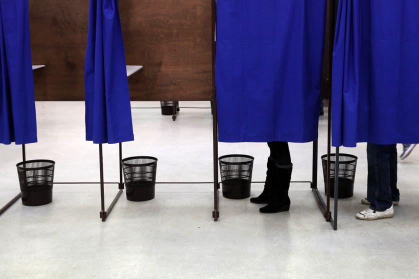 Dans le secret de l'isoloir, les électeurs font-ils les mêmes choix que lorsqu'ils répondent à une enquête d'opinion ?