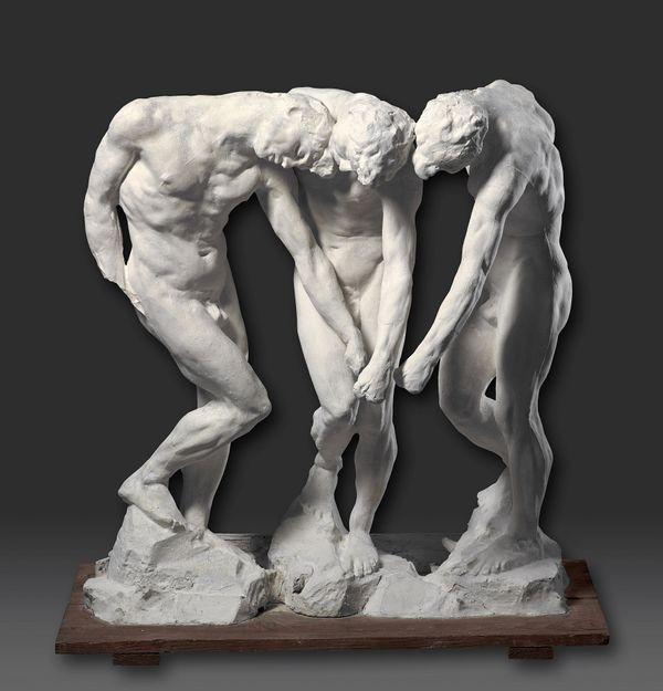 """Auguste Rodin, """"Trois Ombres"""", vers 1885-1889, plâtre, sur socle bois ; 97 x 92 x 40 cm Paris, centre national des arts plastiques. Dépôt au musée des Beaux-Arts, Quimper"""