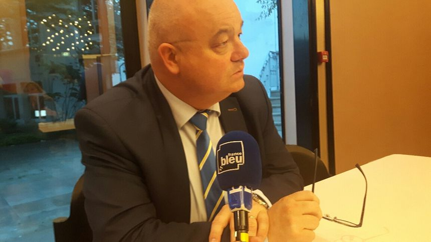 Ludovic Jolivet, maire de Quimper, en appelle à l'unité nationale.