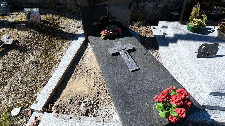 Une dizaine de tombes ont été profanées au cimetière de Fouchécourt