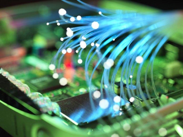 Des câbles de fibre optique