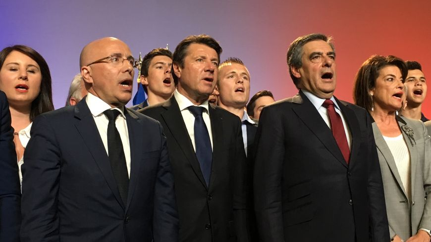 Au centre, Eric Ciotti, Christian Estrosi et François Fillon à Nice, le 17 avril 2017.