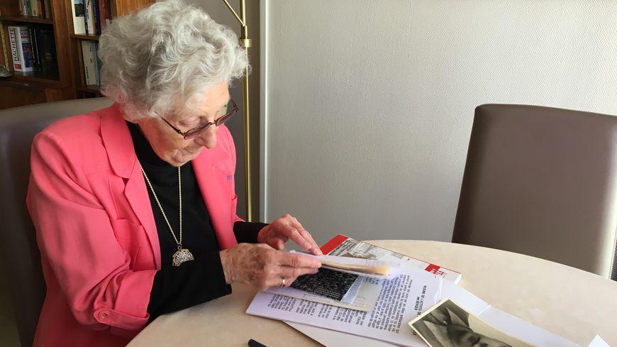 Mélanie Volle a gardé de nombreux documents de l'époque de la Résistance.