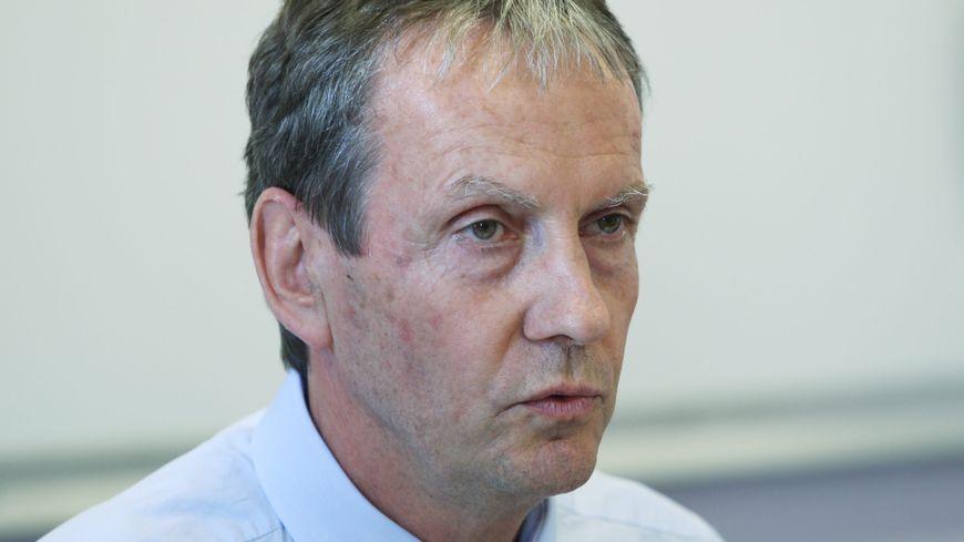 Le président de l'université de Poitiers.
