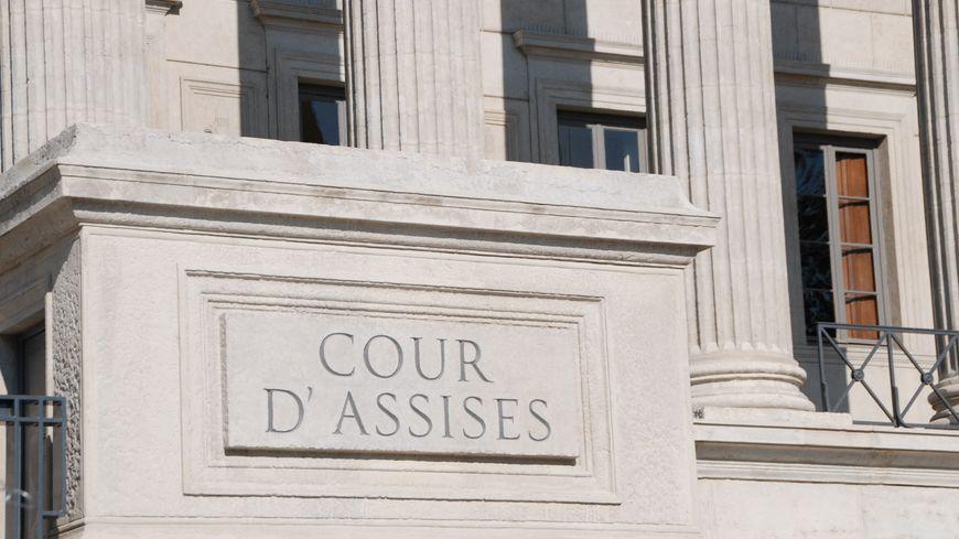 L'affaire était jugée devant la cour d'assises d'appel du Rhône.