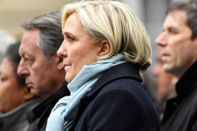 Marine Le Pen candidate qualifiée pour le 2ème tour, présente lors de l'hommage à Xavier Jugelé mardi