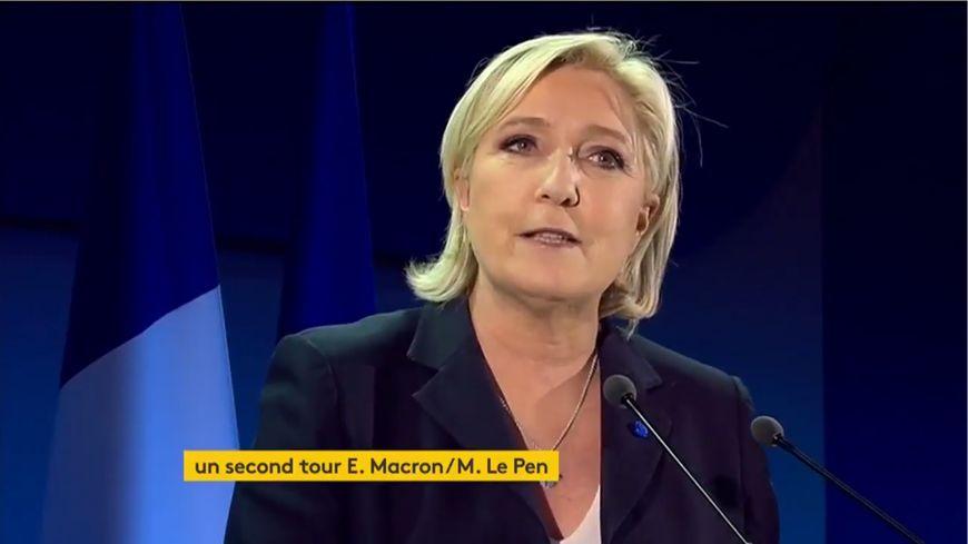 Marine Le Pen salut un résultat historique après sa qualification pour le second tour de l'élection présidentielle
