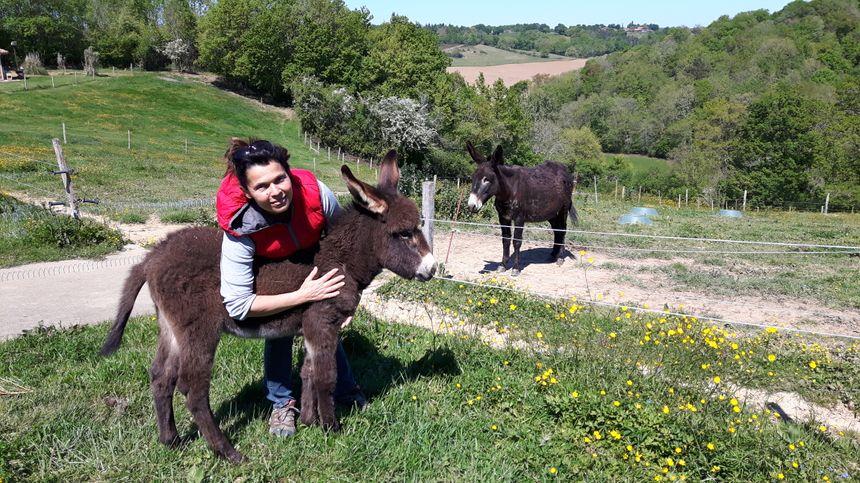 Angèle Bazin productrice de lait d'ânesse à Castelnau Tursan