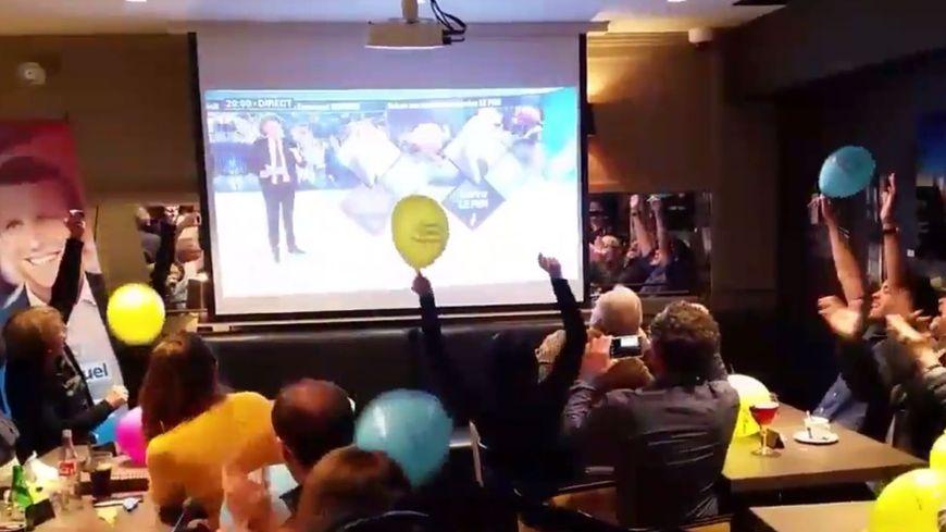 Explosion de joie à 20h pour les partisans d'Emmanuel Macron à Nancy.
