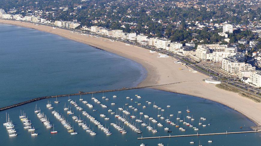 Vue aérienne de la baie de la Baule et du port de Pornichet
