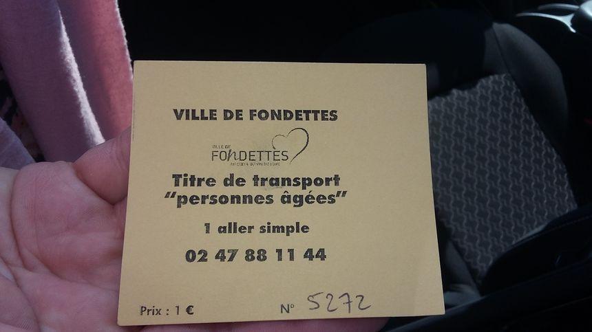 Pour prendre le taxi Vill'Age, il faut réserver 48 heures avant la course, qui ne coûtera qu'un euro