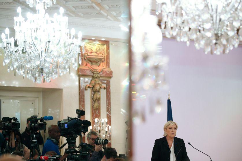 Marine Le Pen a réagi aux critiques après avoir exposé ses mesures de candidate du Front national au sujet du terrorisme