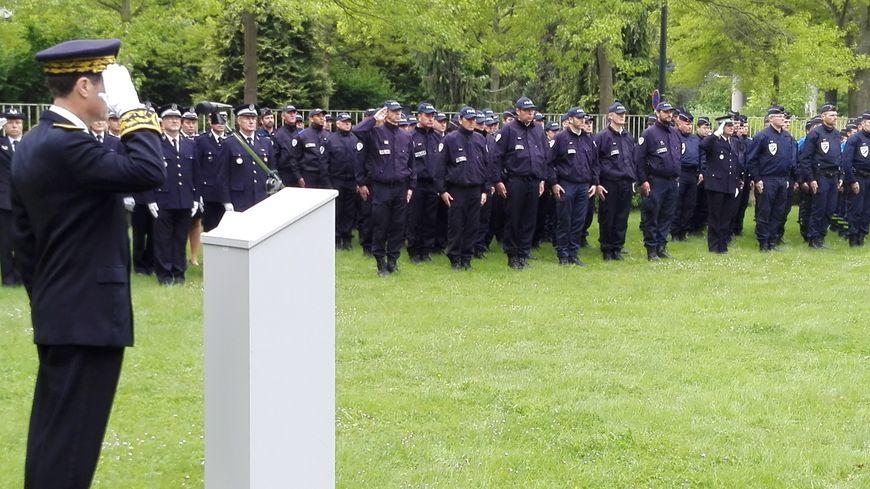 L'hommage des policiers rennais à leur collègue tué sur les Champs-Elysées