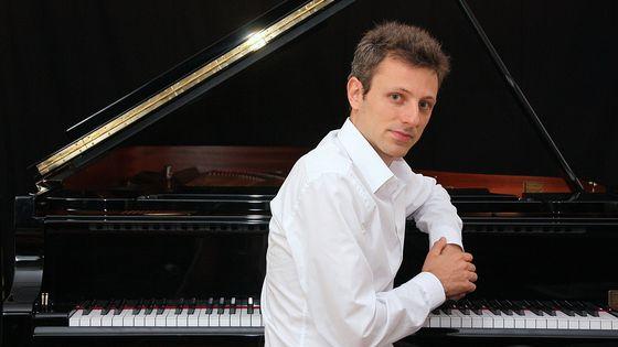 Le pianiste Maxime Zecchini, à l'origine de l'anthologie du répertoire pour la main gauche au disque