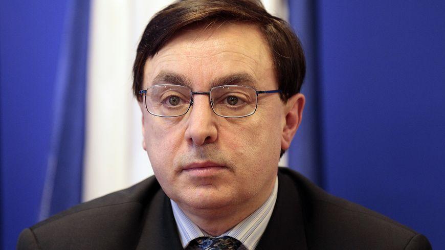 Jean-François Jalkh avait été nommé à la tête du parti après que Marine Le Pen eut annoncé son retrait de la présidence en vue du second tour de la Présidentielle