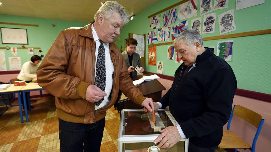 Les Français ont voté pour le 1er tour de l'élection présidentielle ce dimanche.