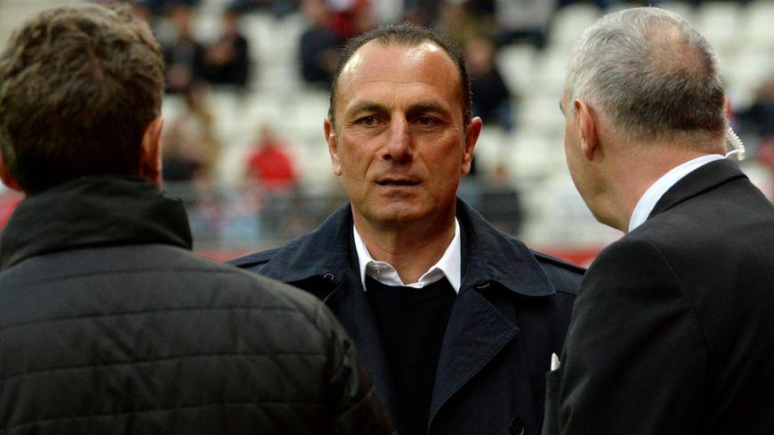 Michel Der Zakarian ne sera peut-être plus rémois la saison prochaine.