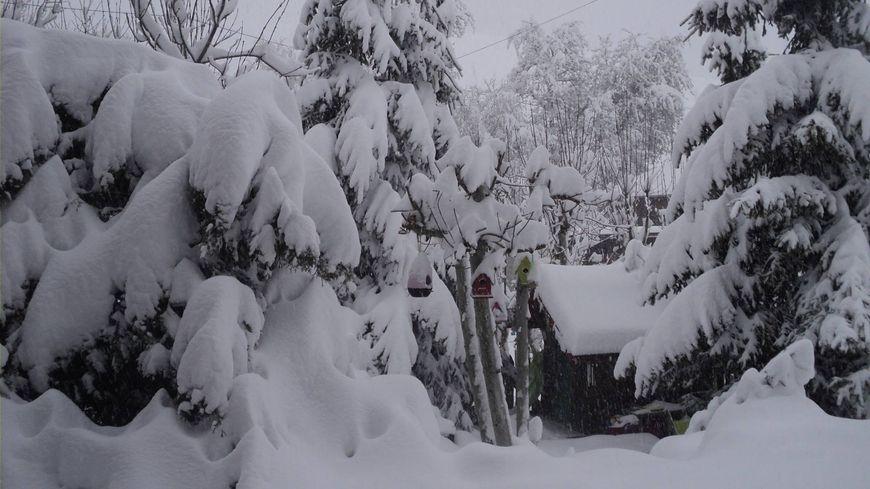 Le retour de la neige, ici à Bellevaux, en Haute-Savoie