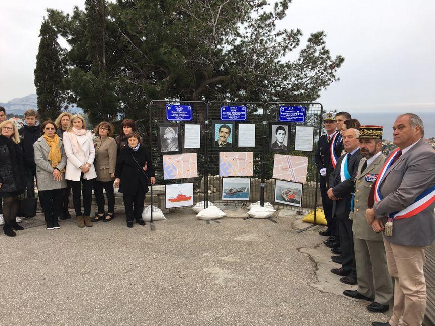Les familles des marins-pompiers honorés ce jeudi, avec une plaque commémorative à Marseille