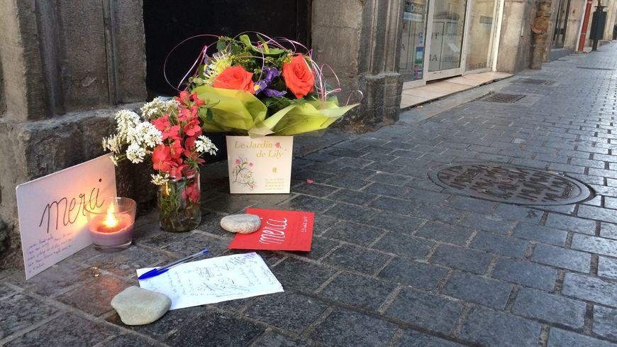 Les hommages se multiplient devant la boite de nuit Le Styl où un vigile de l'établissement a été mortellement poignardé
