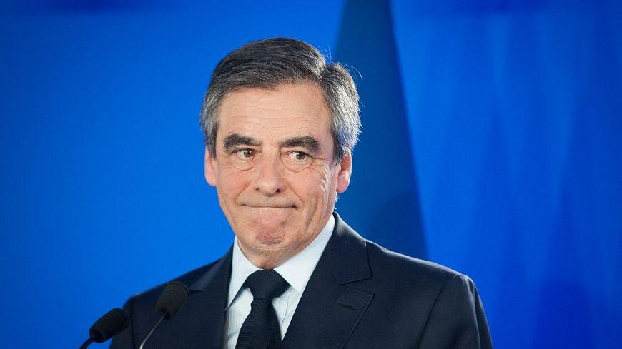François Fillon estime ne pas avoir la légitimité pour conduire les législatives dans son camp.
