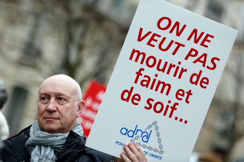 Manifestation en faveur de l'euthanasie à Paris – 2015.