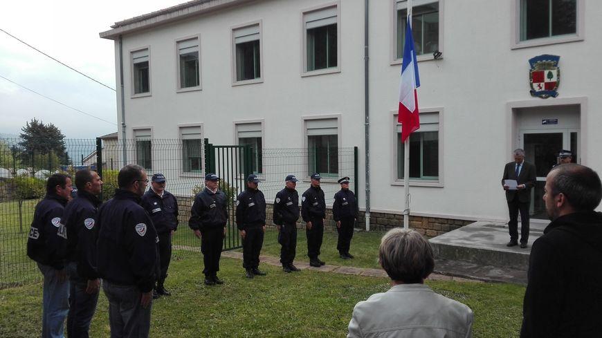 Le rassemblement au commissariat d'Aubenas