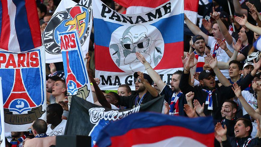 Le collectif Ultras Paris à l'occasion du match PSG - Bayern Munich en Ligue des Champions féminine