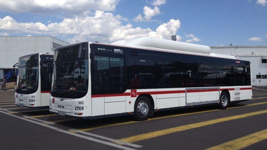 la t2c met les gaz avec ses nouveaux bus. Black Bedroom Furniture Sets. Home Design Ideas