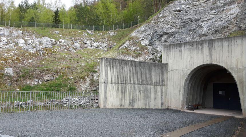 L'usine sous-terraine de Dora compte deux tunnels principaux, et, au total, 25 kms de galeries.