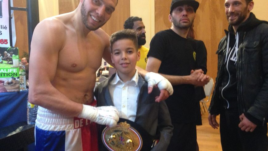Karim Aliliche avec son fils lors de sa victoire à Pau le 3 février dernier.