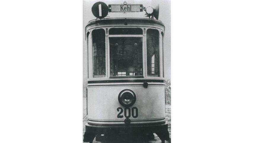 Vers 1907, date de la mise en place de la livrée blanc-ivoire des tramways de Strasbourg