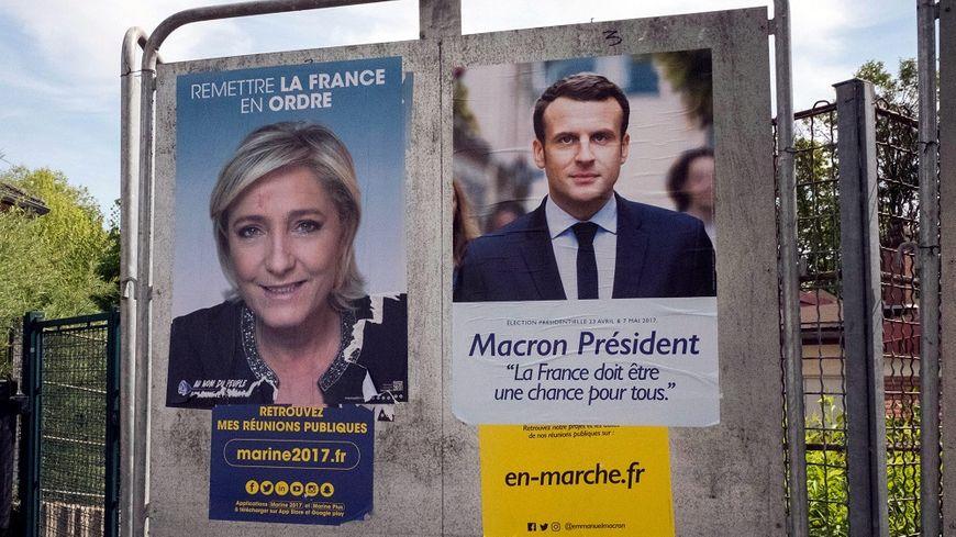 La campagne pour le deuxième tour a débuté ce lundi, au lendemain de la qualification d'Emmanuel Macron et de Marine Le Pen.