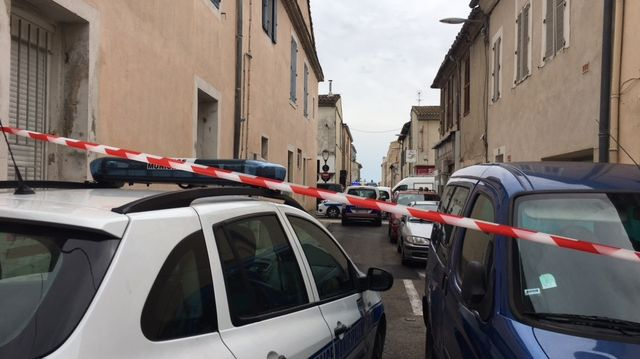 Tout un secteur de Nîmes bloqué à quelques mètres des arènes.