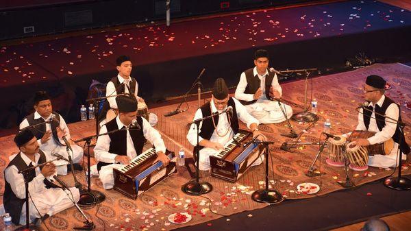 Les Qawwal Bache Delhi Garana de Karachi - Musique soufie