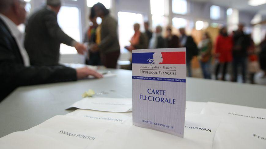 A midi, le taux de participation est en hausse dans tous les départements bretons