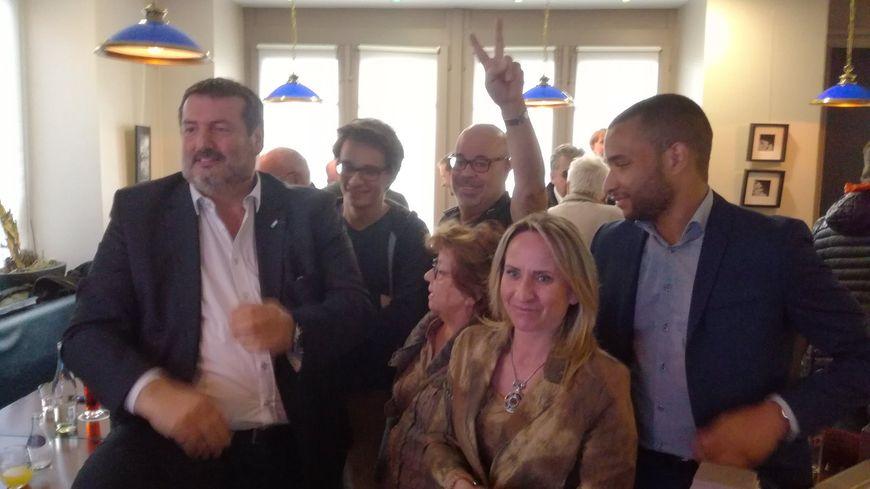 Les soutiens d'Emmanuel Macron n'ont pas caché leur joie dimanche soir à Belfort à l'annonce des résultats.