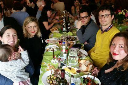 Le repas familial fait-il bon ménage avec les discussions politiques ?