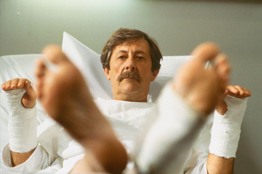 Jean Rochefort dans le film 'Le Bal des Casse-Pieds'