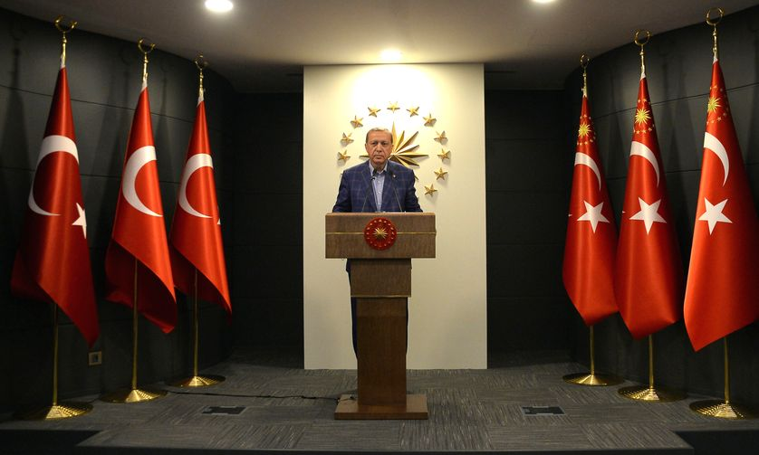 Le président turc lors de son allocution ce dimanche soir à Istanbul