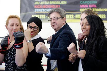 Jean-Luc Mélenchon lors d'une démonstration de kick-boxing à Marseille