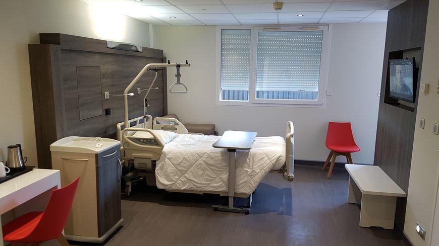 """La première chambre """"familiale"""" accueillera les mères et leur enfant aîné pendant le séjour à la maternité."""