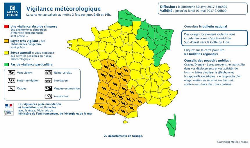 Vigilance orange aux orages dans 22 départements ce dimanche matin (capture d'écran).