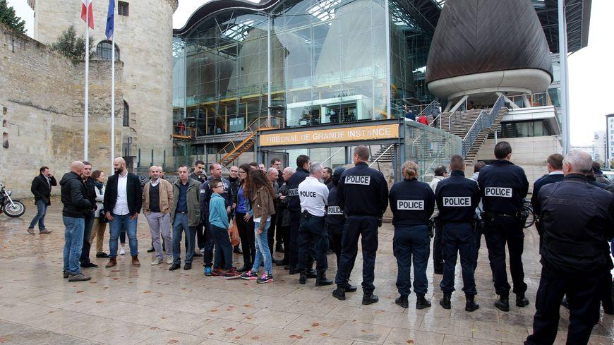 Manifestation de policiers le 25 octobre 2016 à  Bordeaux