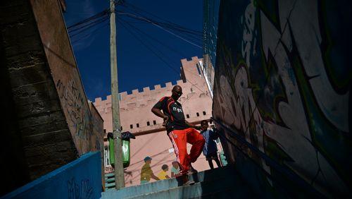 Épisode 1 : Lisbonne, dans la ville noire