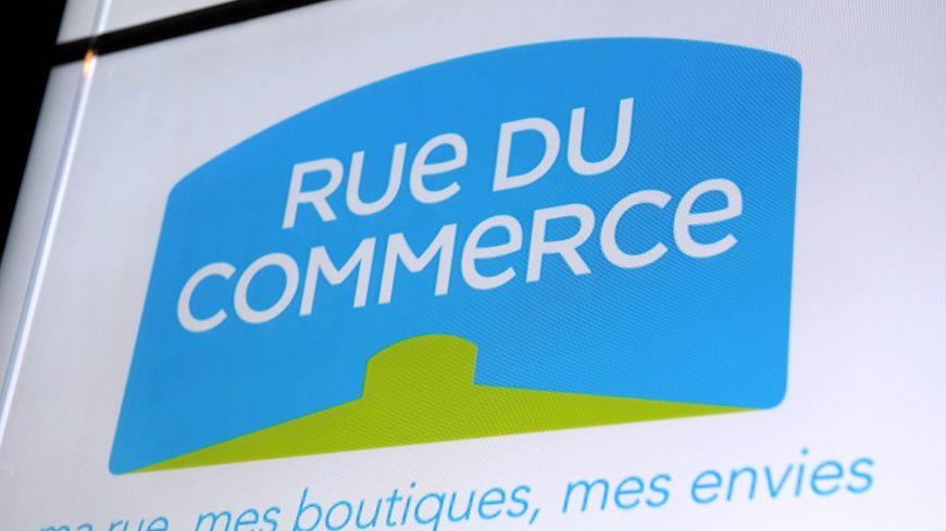 """Rue du Commerce a présenté ses excuses après avoir retiré un costume """"d'enfant déporté"""" en vente sur son site."""