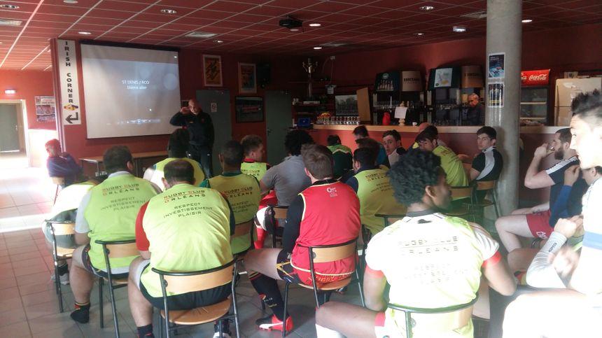 Les joueurs orléanais ont été briefés par vidéo cette semaine par leur entraîneur. Il a filmé le barrage retour de Saint-Denis dimanche dernier.
