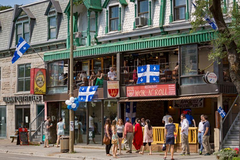 Montréal, Quebec, le jour de la Fête nationale,  St Denis Street, 24/06/2015